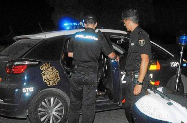 Patrulla Cuerpo Nacional de Policía.