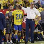 La Liga denuncia los insultantes cánticos en el Sánchez-Pizjuán contra Vitolo