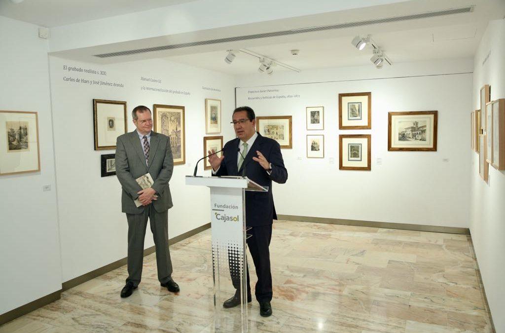 Antonio Pulido, junto a Juan Fernández Locomba, comisario de la exposición.