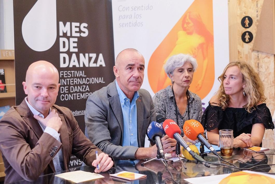 El delegado de Cultura, Antonio Muñoz, en la presentación del Mes de la Danza. FOTO: Lince.