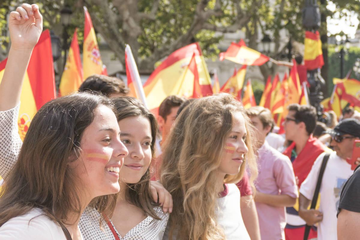 Chavales en la manifestación del 1 de octubre en Sevilla