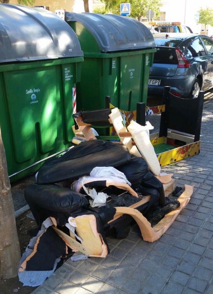 Foto-denuncia de la situación de suciedad en las calles.