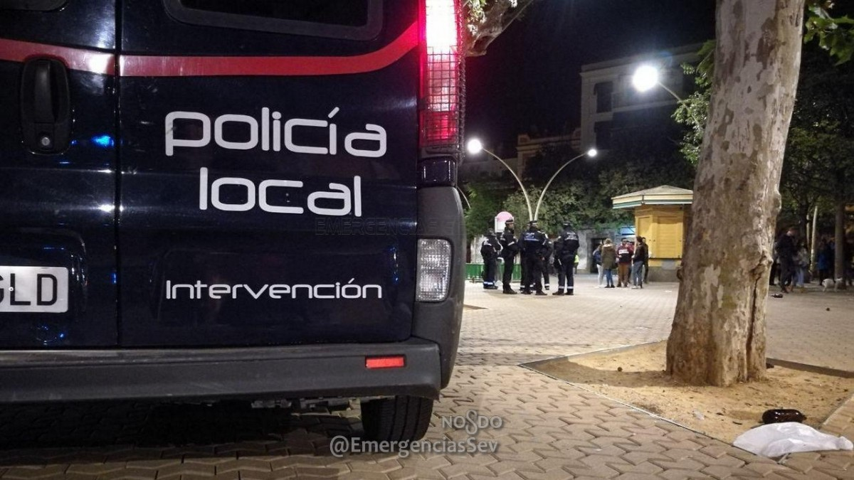 Dispositivo antibotellona de la Policía Local.