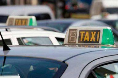El servicio de taxi en el aeropuerto y Santa Justa, objeto de preocupación municipal.