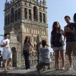 Las nuevas rutas aéreas, la promoción internacional y la agenda cultural impulsan el turismo