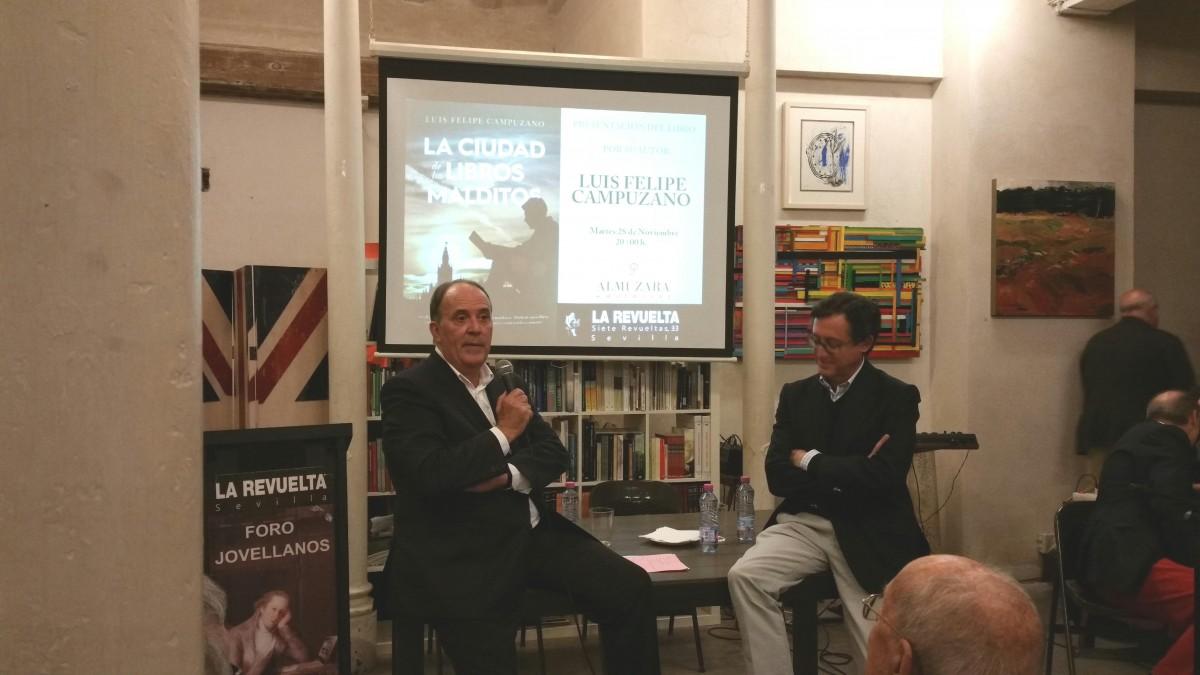 El libro se presentó en el centro cultural La Revuelta.