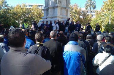 La protesta se ha desarrollado en la Plaza Nueva.