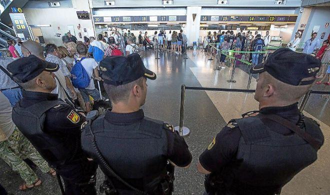 Sevilla pide a Interior más presencia policial en el aeropuerto.