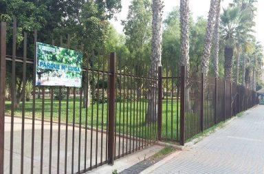 El Parque de María Luisa, cerrado por el fuerte viento