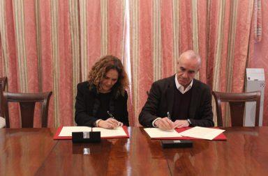 Con la firma del protocolo de intenciones, se da el primer paso para la recuperación de la fábrica de Altadis