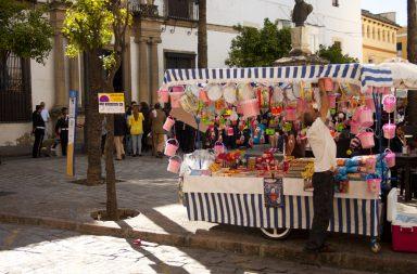 Vendedores ambulantes en Semana Santa. Foto: Libre Mercado