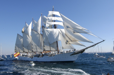 Juan Sebastián de Elcano, buque escuela de la Armada Española.