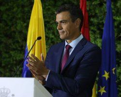 Sánchez pide a Torra que inicie el diálogo entre catalanes y anuncia actos para reivindicar la Constitución