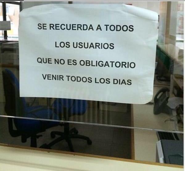 Significativo cartel en un centro de salud