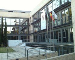 El Colegio de Aparejadores de Sevilla destina más de 14.000 euros en ayudas a sus colegiados