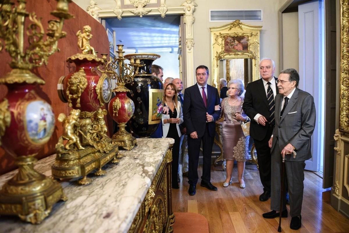 El alcalde, Espadas, en la inauguración del Museo Bellver