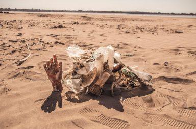 Basuras en la playa de Doñana