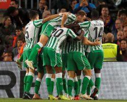 El Real Betis asalta el Camp Nou 20 años después en una soberbia exhibición de fútbol