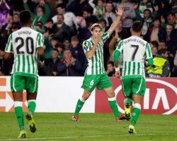 El Real Betis certifica su clasificación en la Liga Europa al batir al Olympiacos
