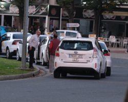 Los sevillanos no pueden ser rehenes de los taxistas