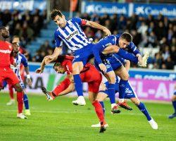 El Sevilla FC se deja el liderato pero se trae un valioso punto de Vitoria (1-1)