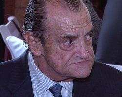 El último adiós de Sevilla y su Baratillo a Vicente Ramos