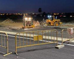 Reparan con nocturnidad y urgencia la avenida: día triste para esa obra excelsa de la chapuza nacional