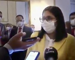 """La tiranía de Maduro firma """"un convenio con el virus"""" y adelanta la Navidad dos meses. Todo es verosímil en la dictadura"""