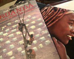 """""""Ruanda, cien días de fuego"""", de José Mª Arenzana, y """"La vuelta al comunismo"""", de Federico J. Losantos, entre los 10 mejores libros del Año 2020 para la Revista Digital ZoéPost."""