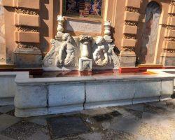 Se ha procedido a la inmediata limpieza de las pintadas en una fuente sevillana que pedían la libertad del rapero Hasel