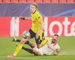 Erling Haaland hizo temblar el Sánchez PizjuánUn gol de De Jong da aire para Dortmund