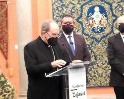 El arzobispo de Sevilla resalta como secundaria la labor de las cofradías cuando preparan la Semana Santa