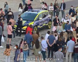 La policía denuncia a cuatro jóvenes por tirarse al río desde el Puente de Triana (Vídeo)
