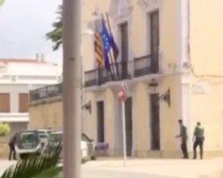 Vídeo. Ruedan un atraco para el cine sin avisar y se personan cinco patrullas de la Guardia Civil para detener a los encapuchados