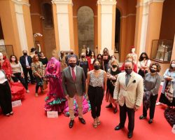 "Desfile de Moda Flamenca Online ""Sevilla te espera vestida de flamenca"""
