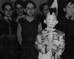 Hoy hace… 78 años que nació Raphael