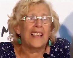 """(VIDEO) Los aplausos de Carmena y la llantina de Teresa Rodríguez por los invasores. """"Nuestros niñññooooo"""" y """"Welcome refugees"""", la contradicción progre permanente"""