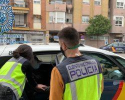 """La nueva consigna de pandillas de jóvenes en Sevilla: cazar """"pijos"""""""