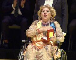 Vídeo. María Jiménez recibe la Medalla de SevillaHomenaje de la Banda Sinfónica Municipal