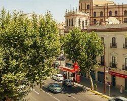 Aprobada la modificación del PGOU de Sevilla para evitar la instalación de gasolineras a menos de 50 metros de un edificio residencial o equipamiento